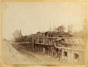 abril 1899