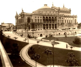 Teatro Municipal visto do viaduto do Chá