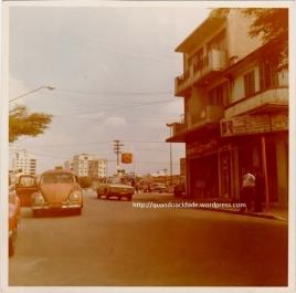 Rua Clélia com posto de gasolina