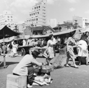 Feira na praça Roosevelt - 1961